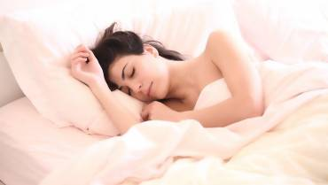 3 Natural Ways to Improve Your Sleeping Pattern
